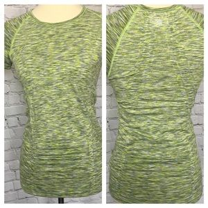 ATHLETA FAST TRACK RUCHED FRONT AND BACK T…